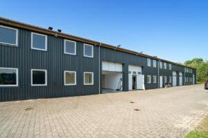 Ejendom 2. Investeringsejendom sælges, se den flotte ejendom der er opført i 2010.